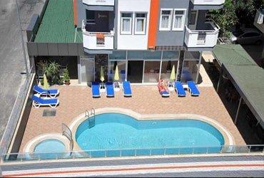 فندق للبيع في تركيا الانيا